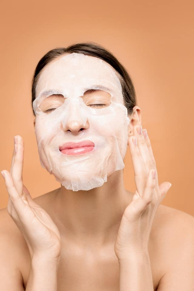 How and Why Electrolytes Benefit Your Skincare?