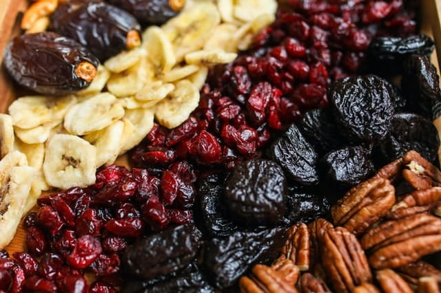 Best Nuts and Dried Fruit for Psoriasis and Their Benefits